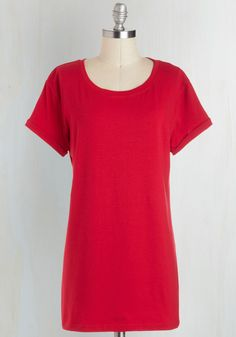 Simplicity on a Saturday Tunic in Red. Whoever said jeans and a tee couldnt look completely cute has clearly never encountered a gal wearing this red T-shirt!