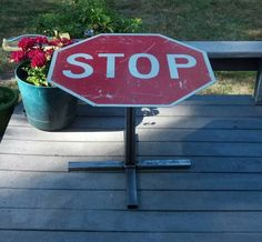 upcycled stop sign, diy home crafts, SSCCRREECCHH