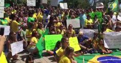 Brasileiros em Miami pedem 'Brasil de volta' em protesto contra governo