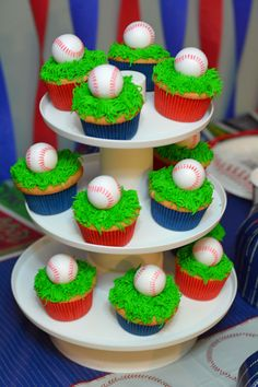 Easy Baseball Cupcakes, perfect for a birthday party or end of the season baseball party. Baseball c Baseball Birthday Cakes, Baseball Cupcakes, Sports Birthday, Baseball Party, First Birthday Parties, Birthday Party Themes, Boy Birthday, First Birthdays, Birthday Ideas