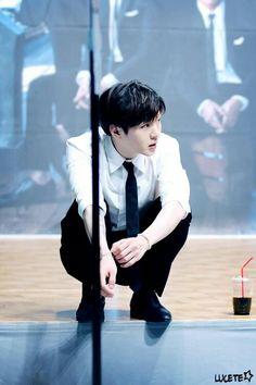 BTOB Changsub ~ in the past, present and future, I love you forever (예지앞사) Btob Changsub, Yook Sungjae, Minhyuk, Cnblue, Park Bo Gum, I Love You Forever, Cube Entertainment, Boyfriend Material, Boy Bands