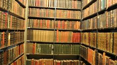 Got books? My Old Library - a wonderful jigsaw puzzle. Click to play!