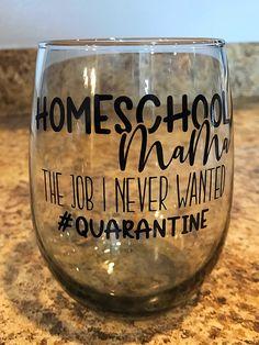 Wine Glass Sayings, Wine Glass Crafts, Wine Bottle Crafts, Wine Bottles, Funny Wine Glasses, Stemless Wine Glasses, Glitter Wine, Glitter Candles, Painted Wine Glasses
