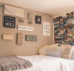 """8 Teen Bedroom Theme Ideas That's So Great Teens have unique ideas of what they consider as """"cool bedrooms."""" Teen bedroom themes reflect things such as their personalities, aspirations, and ideas. Cute Dorm Rooms, College Dorm Rooms, Diy Room Decor For College, Dorm Room Signs, College Girls, Apartment Ideas College, Cool Teen Rooms, Dorm Room Closet, Cute Teen Bedrooms"""