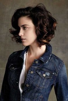 22.Short-Curly-Brown-Hairstyle.jpg (500×739)