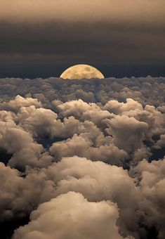 Moonwalk-Moon-Sky-Clouds-Photography-by-Victor-Caroli-. Beautiful Moon, Beautiful World, Beautiful Places, Beautiful Moments, Beautiful Scenery, Shoot The Moon, Belle Photo, Amazing Nature, Wonders Of The World