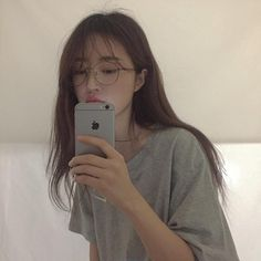 Image about girl in ulzzang by Megumi on We Heart It Ulzzang Korean Girl, Cute Korean Girl, Asian Girl, Ulzzang Girl Selca, Korean Aesthetic, Aesthetic Girl, Korean Beauty, Asian Beauty, Girls Mirror
