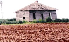 Abandoned old house south of Clinton Oklahoma