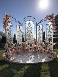 Stage Lighting Ideas Backdrops Receptions 53 Ideas - Decoration Wedding and Home Wedding Backdrop Design, Wedding Stage Decorations, Wedding Themes, Wedding Designs, Wedding Events, Wedding Ceremony, Wedding Ideias, Decoration Evenementielle, Event Decor