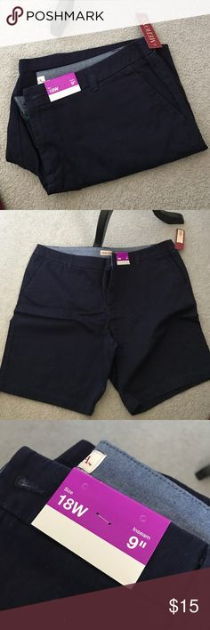 Navy Bermuda Shorts NWT Says size 18W, fits like a 16 Regular. Merona Shorts Bermudas
