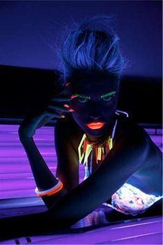 Futuristic Neon Photography Tanning Salon by Jamie Nelson is Freakishly Futuristic Black Light Makeup, Uv Black Light, Neon Photography, Amazing Photography, Fashion Photography, Makeup Photography, Jamie Nelson, Gothic Models, Light Painting