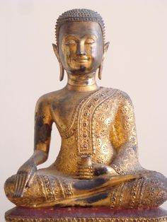 LARGE ANTIQUE THAI GILT & LACQUERED BRONZE RATTANAKOSIN STATUE OF SEATED BUDDHA
