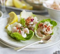 Serve seafood on a sharing platter and let everyone build their own little prawn cocktail bites for a perfect dinner party starter or canapé christmas appetisers Christmas Dinner Starters, Dinner Party Starters, Xmas Dinner, Wedding Starters, Christmas Canapes, Christmas Party Food, Xmas Food, Fish Recipes, Seafood Recipes