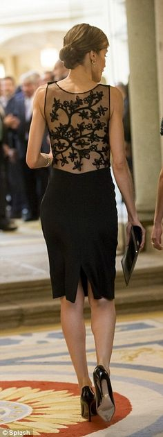 Letizia wears LBD to welcome Peruvian president and his wife to Madrid #dailymail