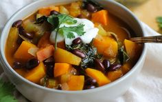 10 Easy, Chunky Chili Recipes Under 360 Calories