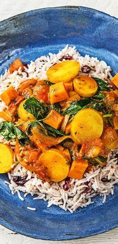 Step by Step Rezept: Iranischer Gemüsetopf,dazu duftiger Basmatireis mit Cranberrys  Rezept / Kochen / Essen / Ernährung / Lecker / Kochbox / Zutaten / Gesund / Schnell / Frühling / Einfach / 30 Minuten / Reis / Veggie / Vegetarisch / Eintopf / Kartoffeln /  Curry / Scharf / Glutenfrei  #hellofreshde #kochen #essen #zubereiten #zutaten #diy #rezept #kochbox #ernährung #lecker #gesund #leicht #schnell #frühling #einfach #iranisch #curry #eintopf #veggie #vegetarisch #reis #scharf #glutenfrei