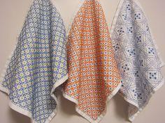 【オーダー品:pruru55様専用】刺し子の布巾3枚(花十字×2/枡刺し)