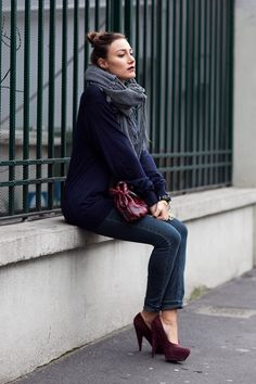 burgundy shoes outfit