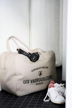 Sac Week-End Personnalisable Trendy - Sac original et unique Sac Week End, Tank Design, African Lace, Classy Casual, Vintage Shirts, Travel Style, T Shirts, Yves Saint Laurent, Unique Gifts