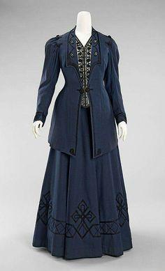 1905-1910 walking suit.