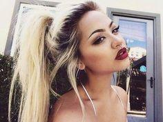 <3 En amour avec ce maquillage et ce cheveux Blond OUFF !!