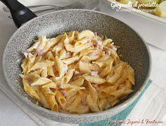 Garganelli al prosciutto in crema di parmigiano, cremosi e saporiti piaceranno a tutti in famiglia. Ottima una macinata di pepe prima di servire.