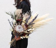 Boho Wedding Flowers, Boho Flowers, Rustic Flowers, Fall Flowers, Wedding Bouquets, Dried Flower Bouquet, Dried Flowers, Rustic Flower Arrangements, Burgundy Bouquet