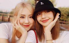 Yg Entertainment, K Pop, South Korean Girls, Korean Girl Groups, Rose Icon, Blackpink And Bts, Jennie, My Buddy, Blackpink Photos