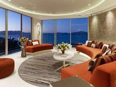 Design und Mode der 70er kleidung idee interieur orange sitzmöbel