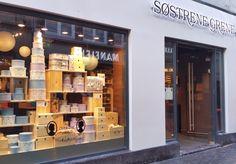 Sostrene Grene, oftewel de Zussen Grene in het Deens. ^_~ Ik spotte deze winkel van de week in Amsterdam. Erg tof! Kon jij de winkel al? Er is veel zonder verpakkings materiaal te zien en meer... #scandinavisch #deens #sostrenegrene #shoppen #amsterdam #living #wonen #interieur #foodie