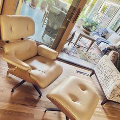 Self care Sunday Living Room Goals, Living Room Decor, Decoration Table, Decor Diy, Home Decor, Best Decor, Dyi, Styles, Chair