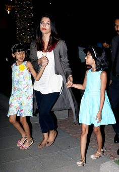 Aishwarya Rai Bachchan gets trolled again for holding daughter Aaradhya's hands Pics Aaradhya Bachchan, Hand Pictures, South Indian Sarees, Aishwarya Rai Bachchan, Ethnic Outfits, Anarkali Dress, Latest Pics, Clothes For Sale, Party Wear