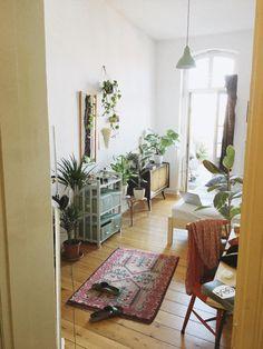 schones altbauwohnzimmer mit vintage mobeln einrichtung vintage mobelstucke wg gesucht