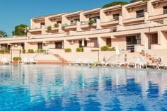 Relax, sun, pool, sea, food, fun...what else? #SicilyHoliday #InterludeHR www.incefaluapartments.it