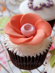 Cupcake con flor rosa