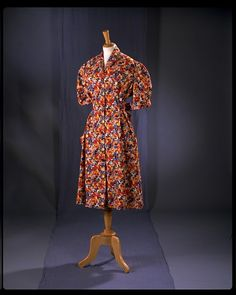 Dress Place of origin: England, Great Britain (made) Date: 1940s (made) Artist/Maker: Utility (made for) Materials and Techniques: Cotton