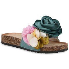Sommerliche Pantoletten mit zauberhaften Blüten findest Du auf stiefelparadies.de