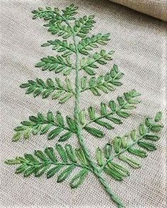 Ideas embroidery leaf stitch quilting patterns for 2019 - Stickerei Ideen Embroidery Leaf, Embroidery Stitches Tutorial, Creative Embroidery, Embroidery Needles, Hand Embroidery Designs, Embroidery Techniques, Cross Stitch Embroidery, Machine Embroidery, Embroidery Kits
