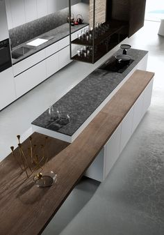 Luxury Kitchen Timeless Luxury Designed by architect Michele Marcon, Look is a contemporary… Luxury Kitchen Design, Best Kitchen Designs, Luxury Kitchens, Interior Design Kitchen, Cool Kitchens, Kitchen Ideas, Hacienda Kitchen, Farmhouse Style Kitchen, Modern Farmhouse Kitchens