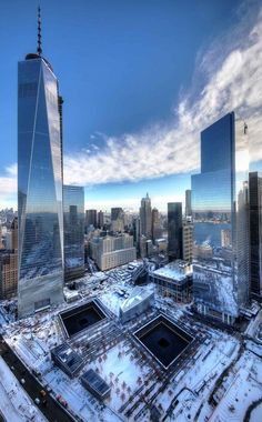 """newyorkcityfeelings: """" Great shot of the WTC in the snow via @OneWTC #nycfeelings """""""