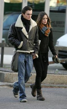 Academy Award nominee Keira Knightly was spotted wearing Kick's Frye Engineer 8R bootie while taking a stroll with boyfriend Rupert Friend. #Motorcycle Boots #Biker Boots #Fashion #Harness Boots #Engineer Boots At Eagle Ages we love motorcycle boots.  You can find a great choice of second hands motorcycle boots in our store https://eagleages.com/shoes/boots/women-boots/cowboy-boots.html