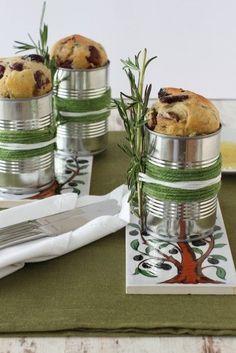 Oliven Rosmarin Brot in der Blechdose. Schöne Idee von @haseimglueck