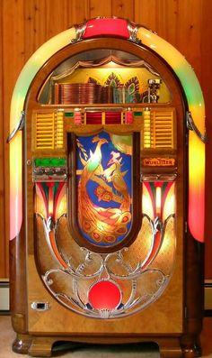 Wurlitzer Peacock jukebox, mid 40s
