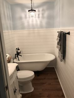 Idea, formulas, furthermore quick guide in pursuance of getting the greatest outcome and also coming up with the maximum usage of Bathroom Tub Remodel Clawfoot Tub Bathroom, Shiplap Bathroom, Diy Bathroom Decor, Bathroom Ideas, Bathroom Lighting, Bathroom Inspiration, Small Bathroom Chandelier, Shower Ideas, Bathroom Storage