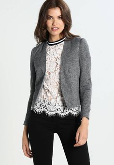 "Vero Moda. VMVICTORIA - Blazer - dark grey. Fit:regular. Outer fabric material:81% polyester, 19% cotton. Our model's height:Our model is 71.0 "" tall and is wearing size 8. Pattern:marl. Care instructions:do not tumble dry,machine wash at 30..."