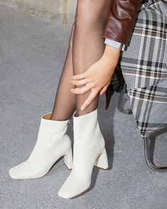 French Shoes, Low Boots, Thigh High Boots, Fall Shoes, Summer Shoes, Girls Wear, Women Wear, White Ankle Boots, Trends