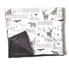 Ces couvertures mesurent environ 36 X 42 et sont fabriqués avec un gentil, 100 % coton imprimé dun côté et de charbon de bois minky sur le côté opposé. Si vous désirez une autre couleur minky faites le nous savoir !  Cette couverture est super douce ! Idéal pour une couverture de lit, couché sur le sol pour votre tout-petit à jouer, se blottir et en prenant dans les froids mois dhiver.  Ces sont idéales pour votre bébé ou enfant en bas âge.  Enverrons 2-3 semaines après lachat.  Vous voulez…