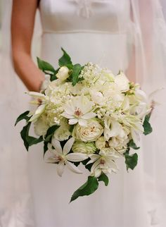 white summer bridal bouquet