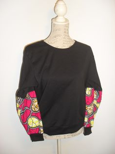 Camisola tamanho M, preta.Para mais informações ou encomendas envie email para maeafroo@outlook.pt Bell Sleeves, Bell Sleeve Top, Tops, Women, Fashion, Nightgown, Black, Moda, Fashion Styles
