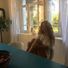 Vsco ruby edmondson // swimsuit bikini kini purple lilac gold chain necklace tattoo ink swim beach s Pretty People, Beautiful People, Top Jean, Necklace Tattoo, Surfer, Model Body, Foto Pose, Purple Lilac, Photo Instagram